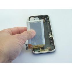 Démontage et remplacement de la batterie sur un iphone 3GS
